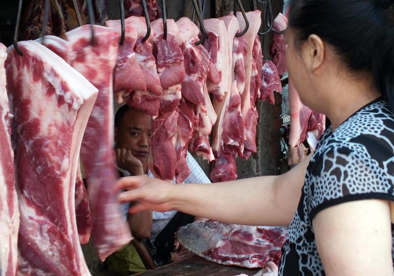 受非洲豬瘟的影響,豬肉價格同比翻倍。(AFP)