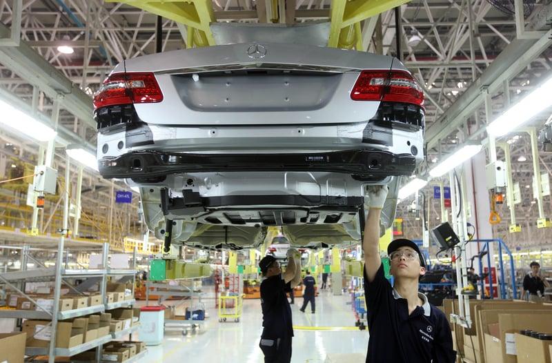 今年一季度中國汽車銷量下降了14%,4月汽車銷量又現「斷崖式」下跌。(AFP)