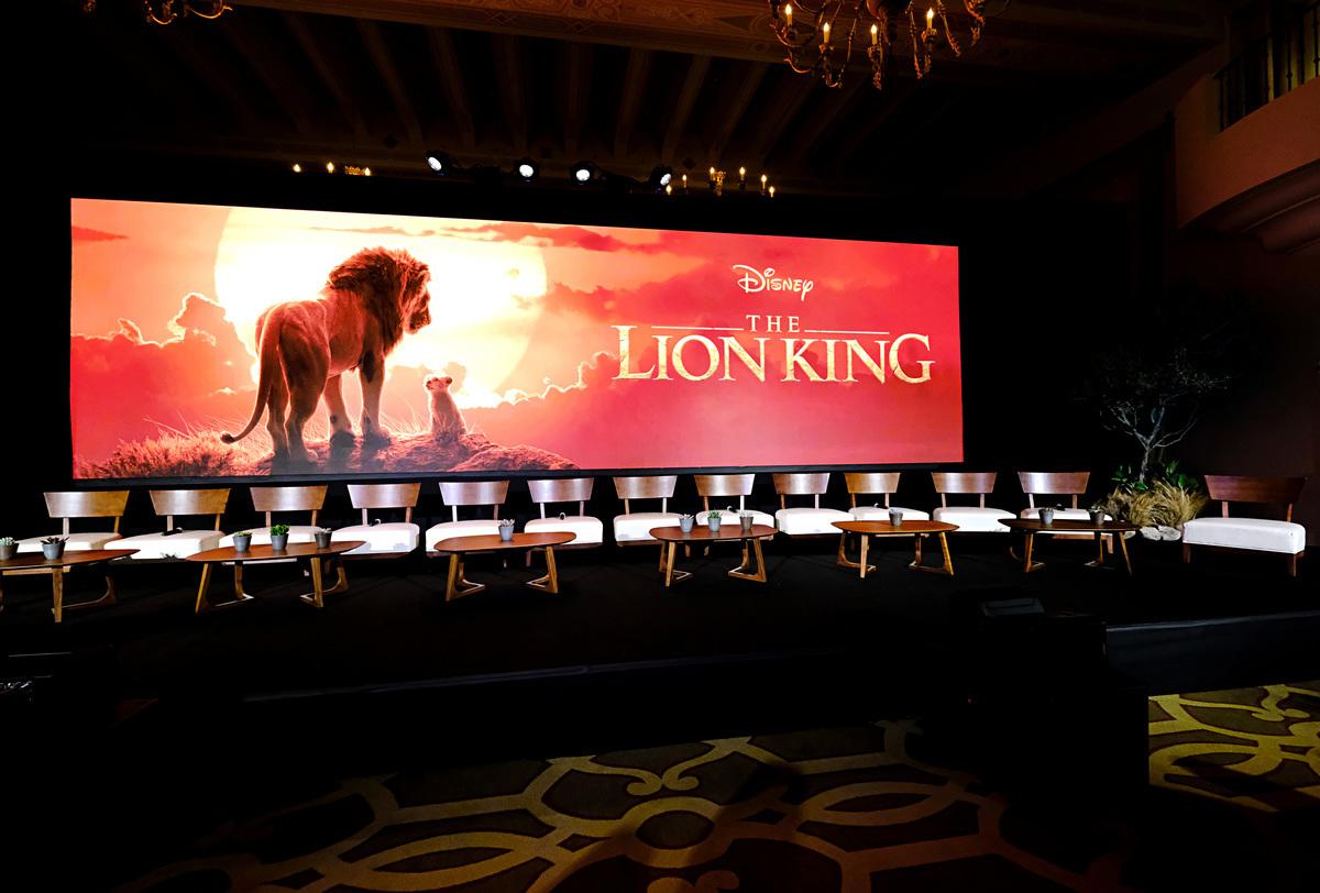 《獅子王》1994年上映後,多年來經久不衰,圖為2019年7月10日在加州貝弗利山莊舉行的迪士尼金獅獎全球新聞發佈會佈景。(Alberto E. Rodriguez/Getty Images for Disney)