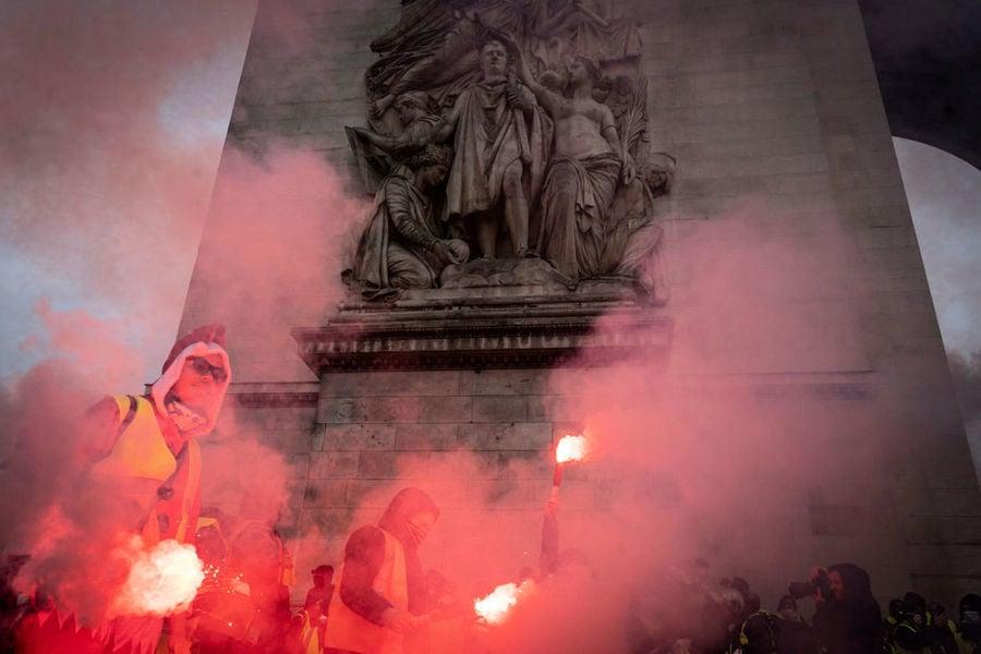 組圖:法國黃背心運動蔓延 50年最大暴亂