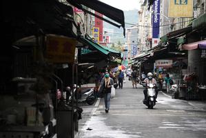 台灣新增274例本土病例 校正回歸73例