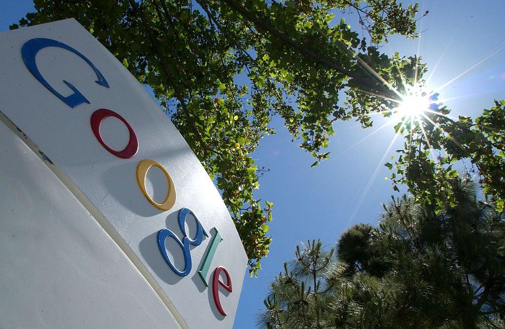 圖為谷歌標識牌。 (David Paul Morris/Getty Images)