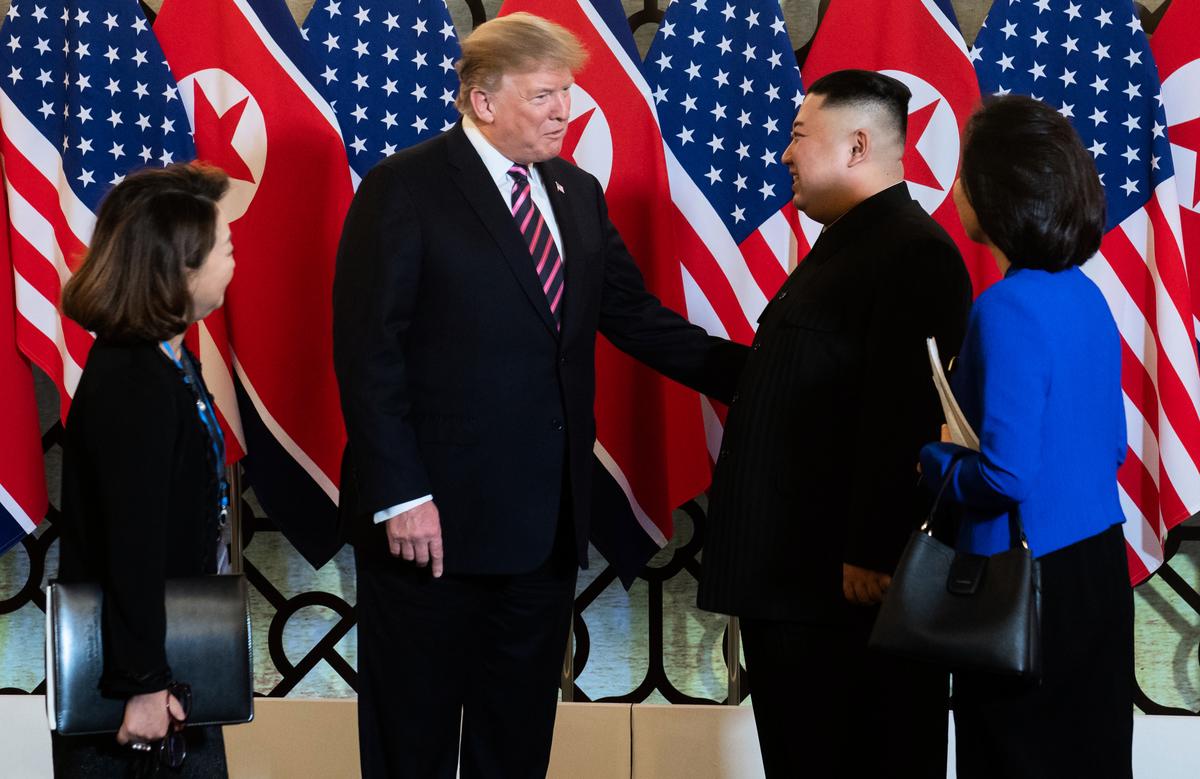 白宮周三(2月27日)宣佈,總統特朗普將參加與北韓領導人金正恩的「聯合協議簽署儀式」(joint agreement signing ceremony)。圖為2月27日特金會場景。(Saul LOEB / AFP)