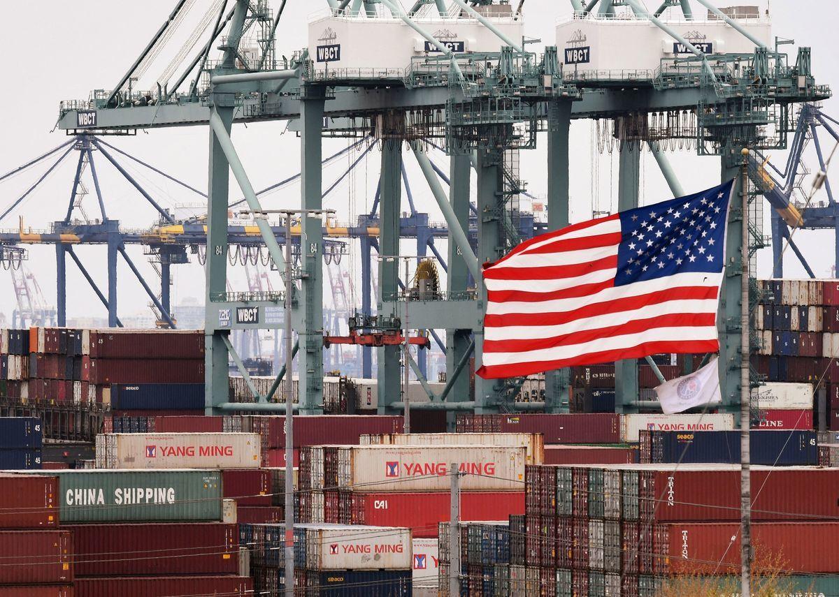美國總統拜登3月31日公佈2兆美元的基礎建設計劃,這項計劃將創造數以百萬計的就業機會、復振美國經濟。(MARK RALSTON/AFP)