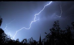 悉尼連日暴雨 北海岸地區多人被困