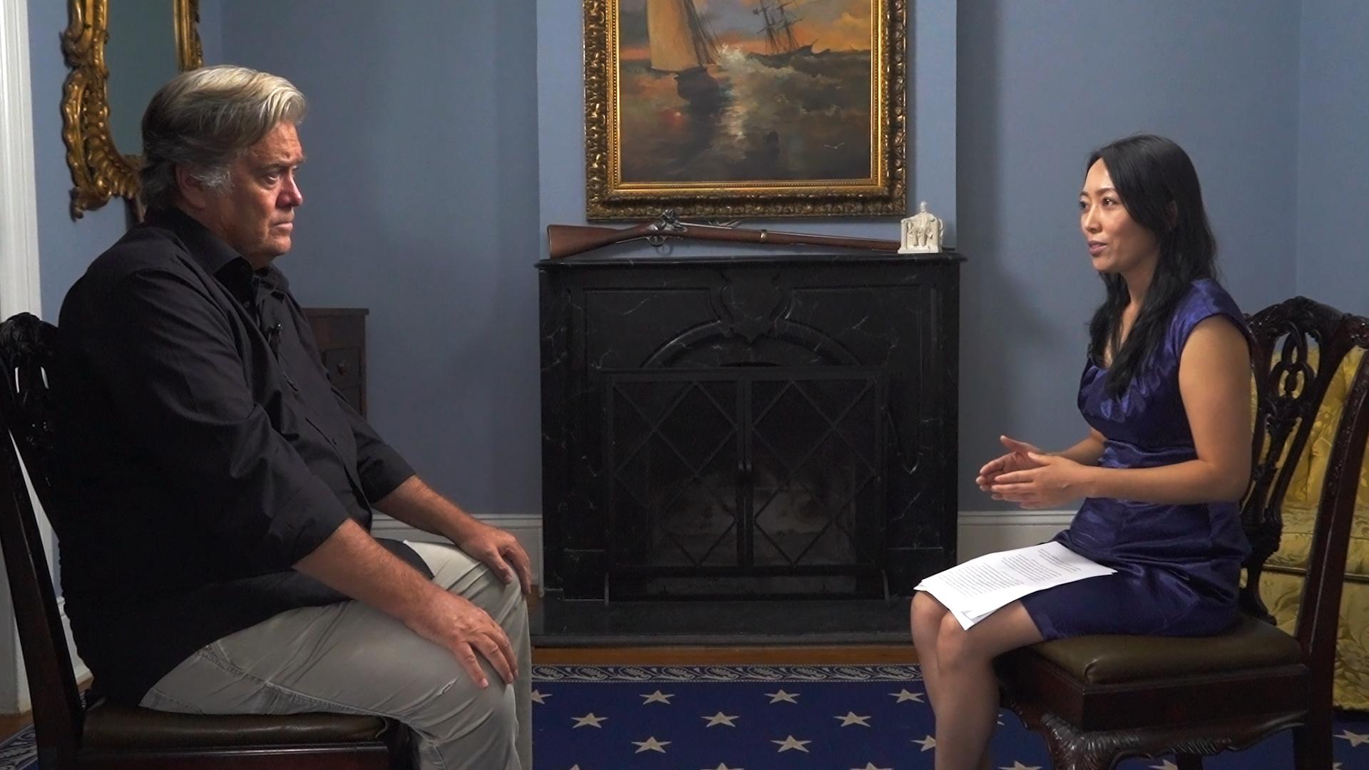 近日,新唐人《世事關心》節目主持人蕭茗再次採訪了白宮前首席戰略顧問班農先生。(新唐人)