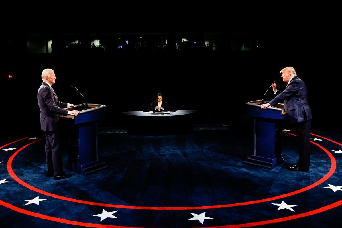 在最後一場大選辯論會上,雙方再次在疫情處理上激烈交鋒。 (Jim Bourg-Pool/Getty Images)