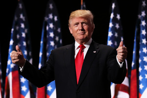 名作家:特朗普或是史上第一個獲1億選票總統
