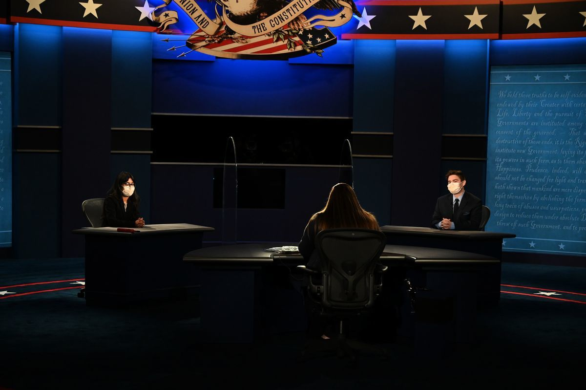 在2020年10月7日,猶他州鹽湖城的猶他大學金斯伯里音樂廳舉行副總統辯論之前,該校大學學生在為晚上9點的辯論做現場測試。(ERIC BARADAT/AFP via Getty Images)