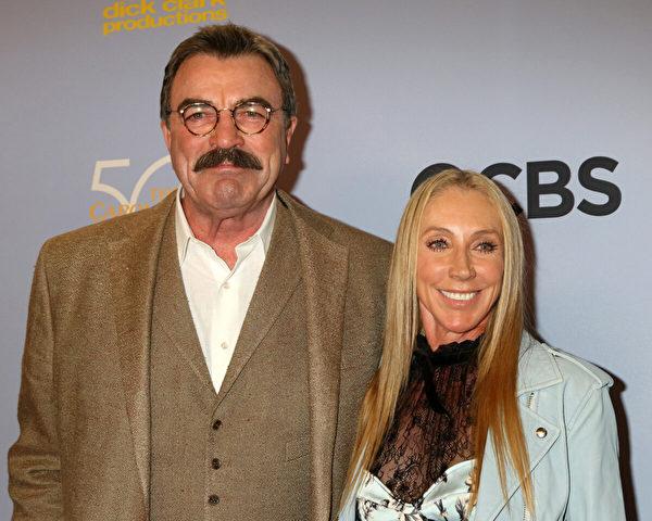 2017年10月4日,塞萊克和麥克在洛杉磯哥倫比亞廣播公司電視城(CBS Television City)舉行的卡羅爾‧伯內特(Carol Burnett))50周年特別節目中亮相。(Kathy Hutchins/Shutterstock)