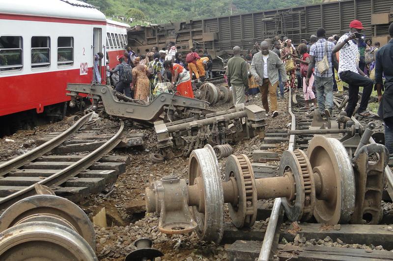 喀麥隆火車出軌 至少55死575傷