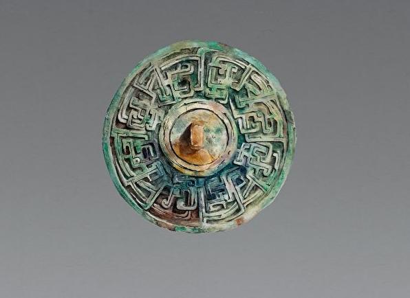 古代取火的「陽燧」銅鏡。(小溫繪製/沁德居創作組提供)