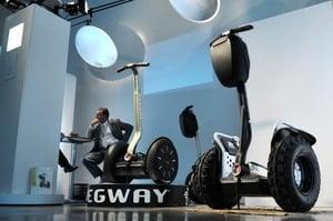 「成龍魔咒」再現 Segway平衡車將停產