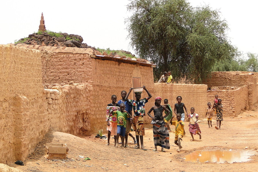 【瘟疫與中共】西非小國六位內閣部長染疫