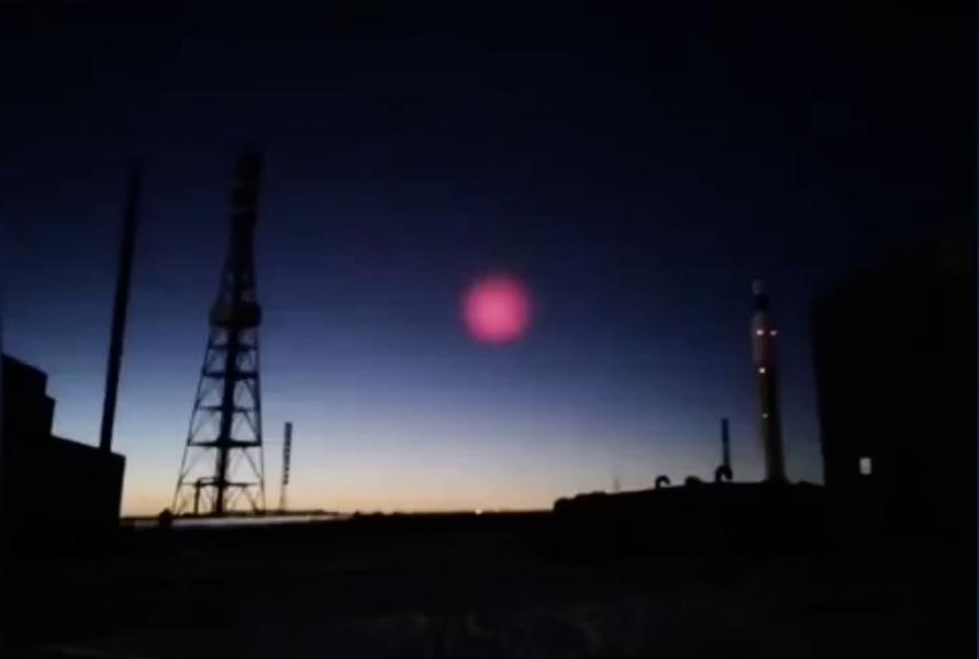 天降隕石後 青海夜空又現奇特「粉紅光」
