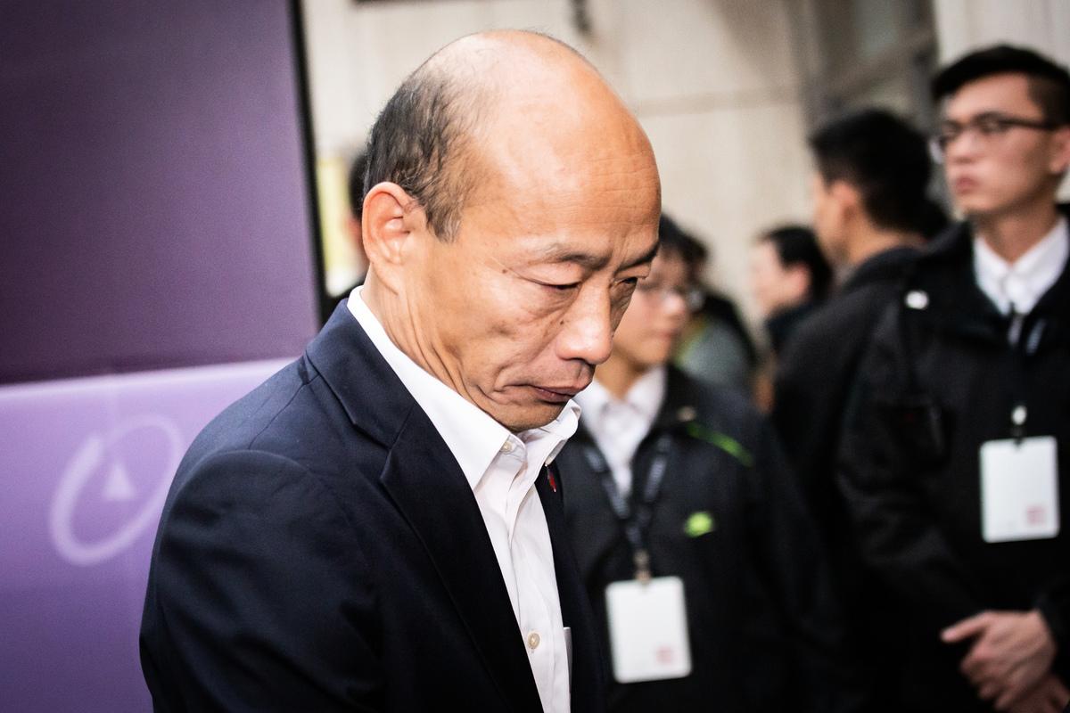 6月6日上午選舉開票結果,上任一年多的台灣高雄市長韓國瑜成為台灣史上首名被罷免的市長。(陳柏州/大紀元)