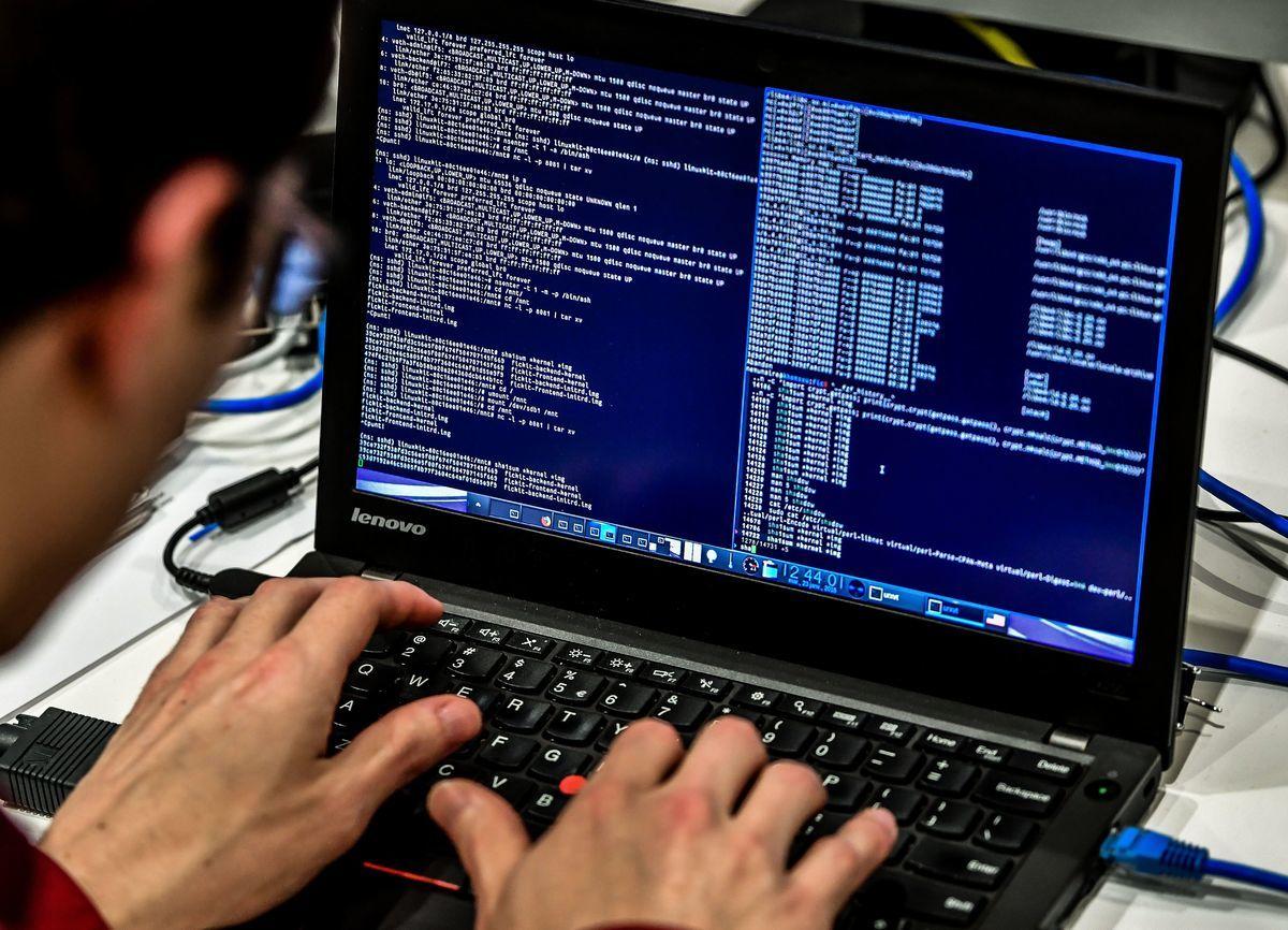 中共2021年9月開始施行數據安全法規,強制在華外國公司發現自身網絡安全漏洞時立刻向北京匯報,相關措施引發疑慮。(Philippe Huguen/Getty Images)