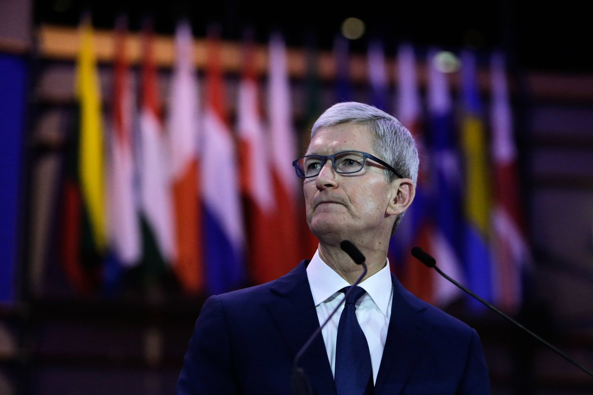 美國科技巨擘蘋果公司(Apple)行政總裁庫克(Tim Cook)在周三(2月26日)致信給投資者,指由於中國大陸需求放緩,下調該公司第一季財測。圖為資料照。(AFP)