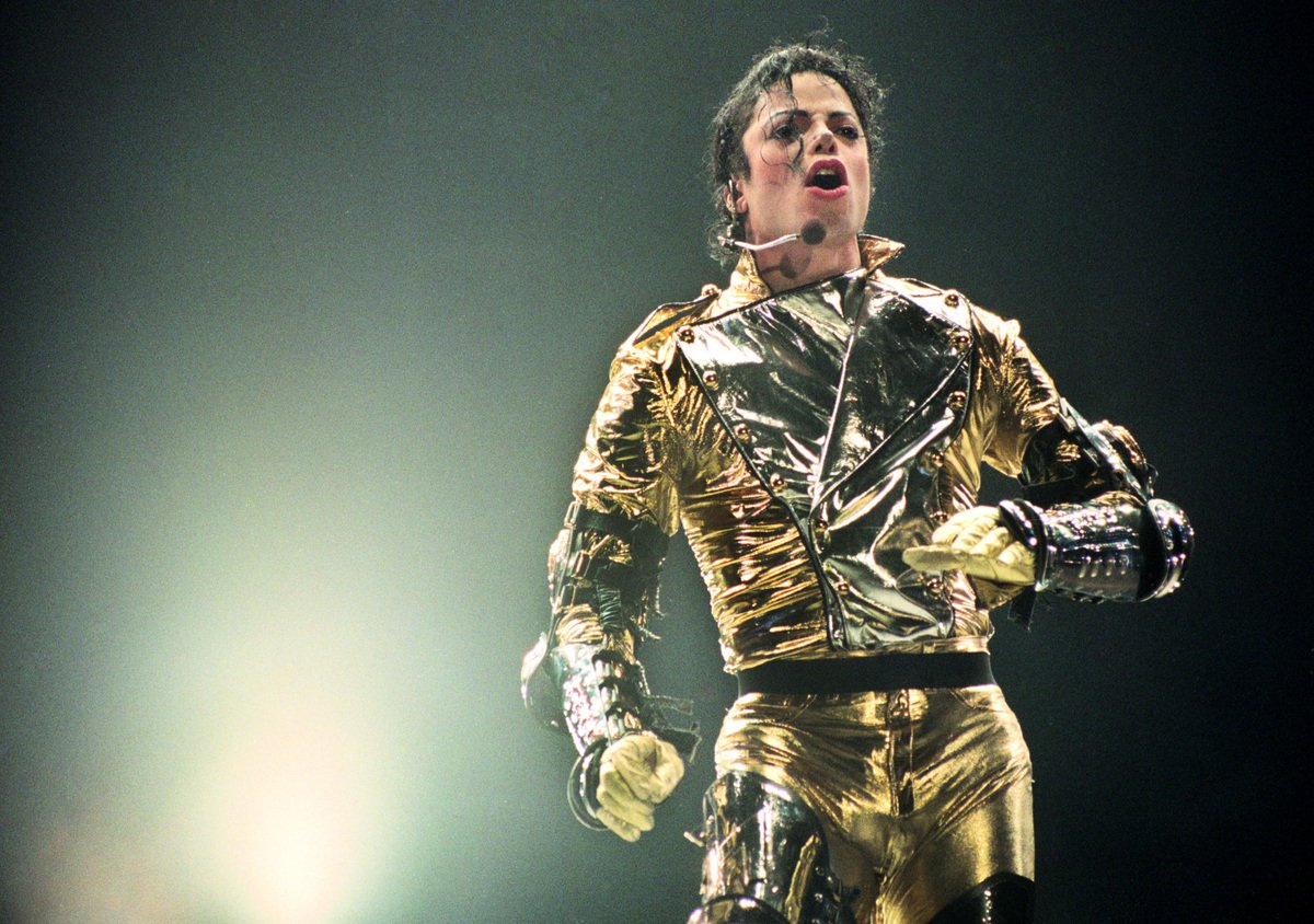 1996年11月10日,麥可傑克森在紐西蘭奧克蘭(Auckland)登台演出。(Phil Walter/Getty Images)
