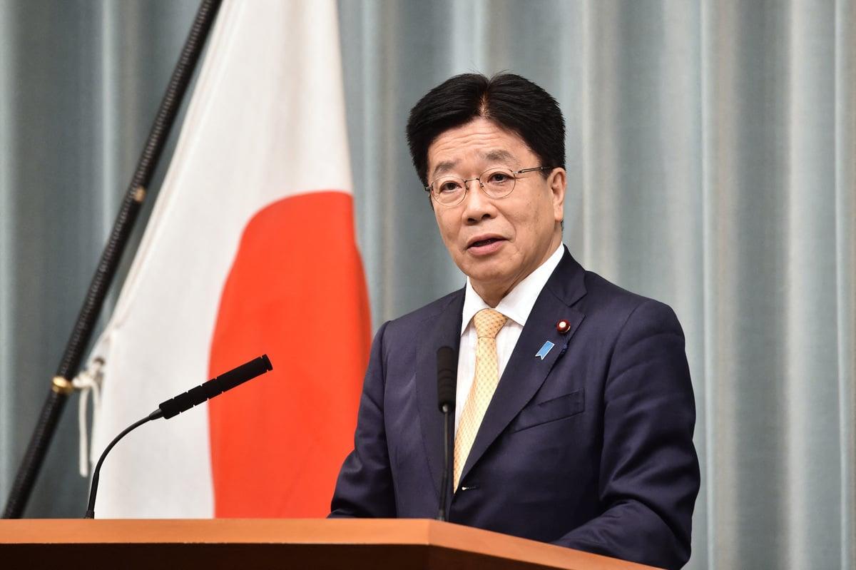 日本內閣官房長官加籐勝信(Katsunobu Kato)。(Photo by Kazuhiro NOGI / AFP)