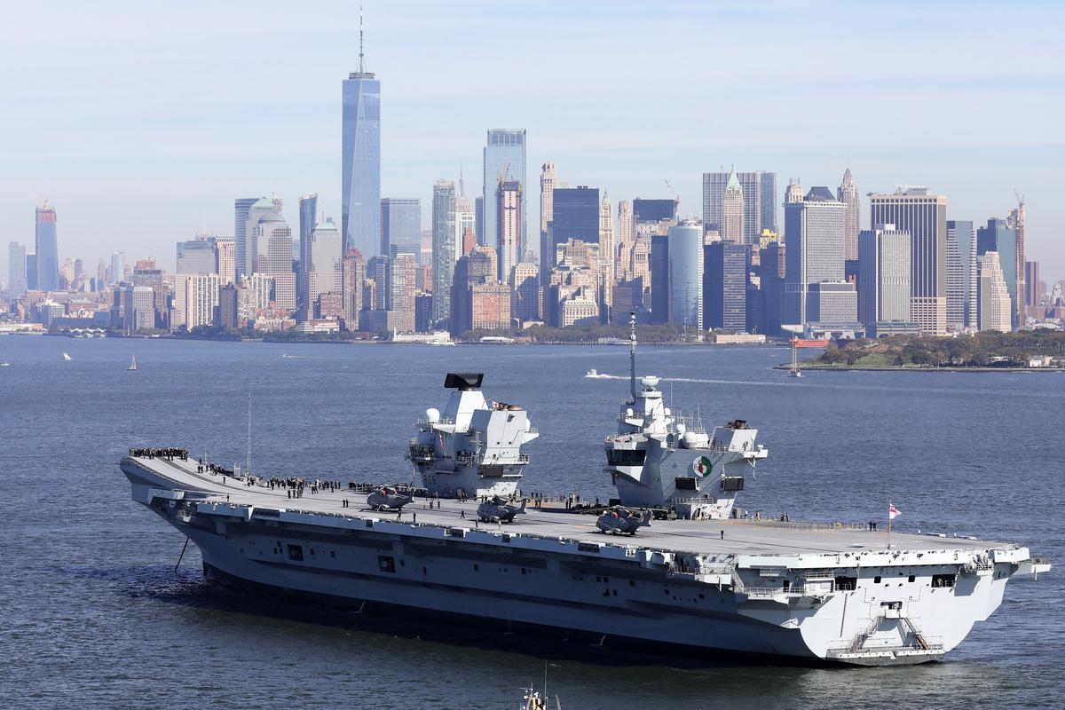澳洲海軍將加入英國伊利沙伯女王號航母戰鬥群的首次重大海外部署行動。圖為2018年10月19日,英國航母伊利沙伯女王號到訪紐約。 (Christopher Furlong/Getty Images)
