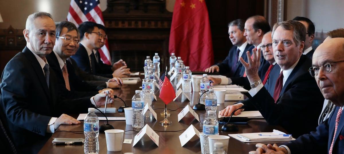 3月28日,新一輪中美貿易談判將再度敲鑼,貿易代表萊特希澤和財長梅努欽將前往北京與中方談判。資料圖(Chip Somodevilla/Getty Images)