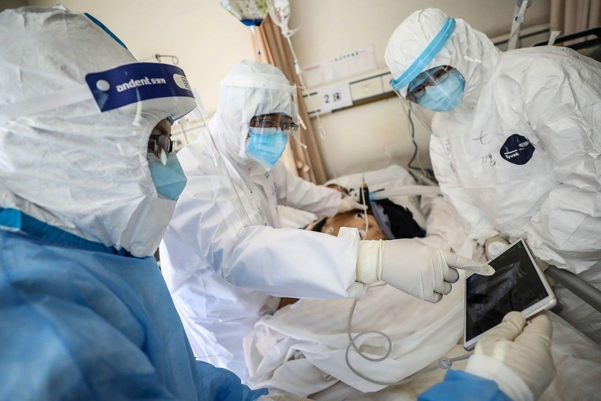 馳援湖北的醫師感受,中共肺炎(俗稱武漢肺炎、新冠肺炎)疫情比2003年SARS還嚴重。(STR/AFP via Getty Images)