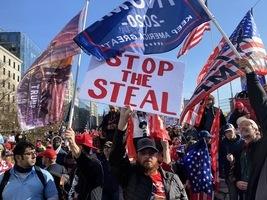 反舞弊盛大集會 愛國者華盛頓挺特朗普表心聲