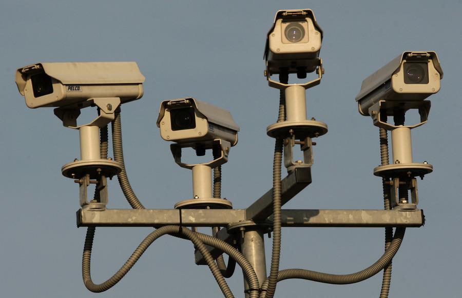 在居民家中裝錄像頭 中共利用疫情加強監控
