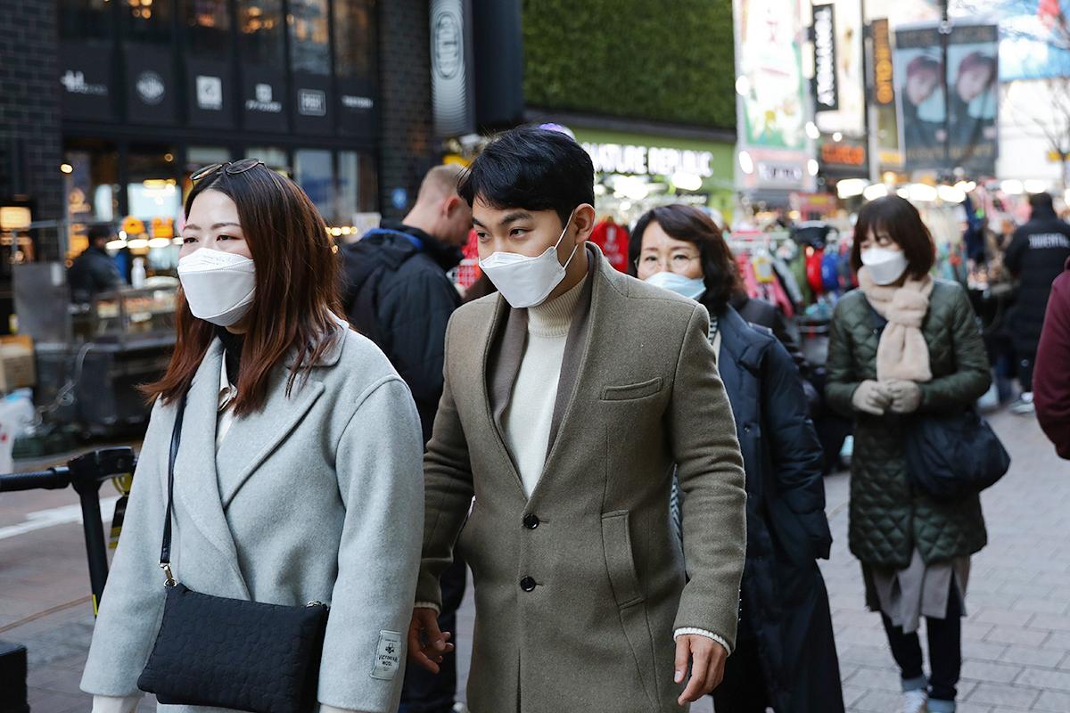 中共肺炎疫情在全球升溫,南韓、日本、意大利確診病例都迅速增加。(Chung Sung-Jun/Getty Images)