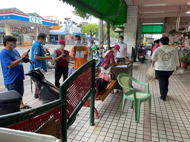 台灣新增262例本土病例 校正回歸65例