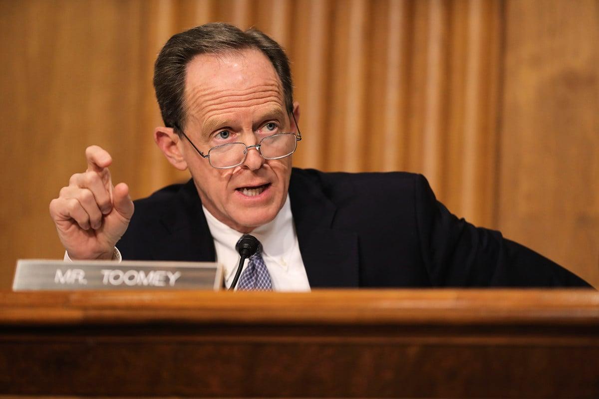 美國聯邦參議員帕特·圖米(Patrick Toomey)表示,中共系統破壞香港自治,美國不能袖手旁觀。(Chip Somodevilla/Getty Images)