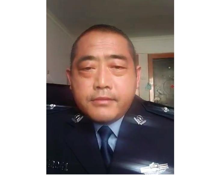 2021年4月5日,河南省安陽市內黃縣公安局在職民警劉國湖(音)發影片留遺言,曝光因舉報上級官員貪腐遭追殺。(影片截圖)