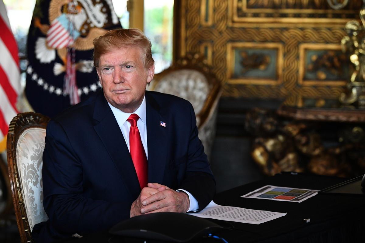 美國總統特朗普2019年12月24日在海湖莊園表示,他將與中國國家主席習近平舉行簽字儀式,簽署12月達成的中美第一階段貿易協議。(Nicholas Kamm/AFP)