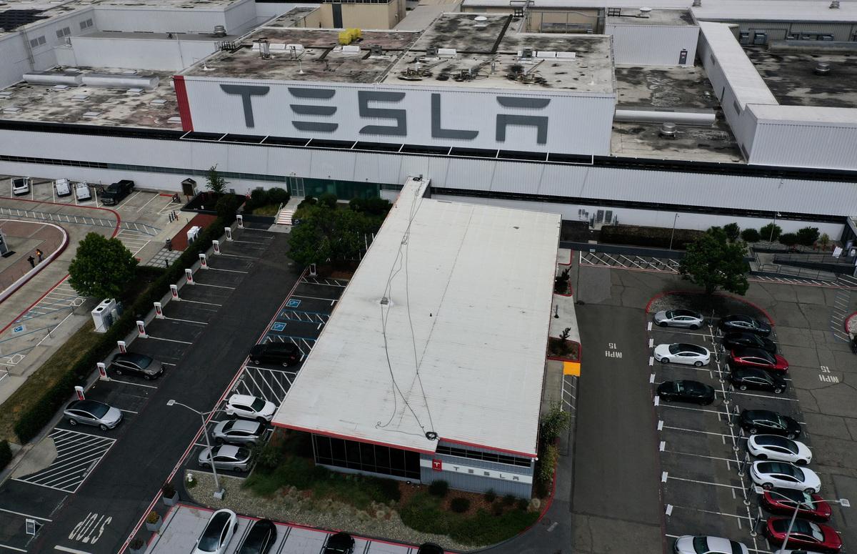 位於加州的特斯拉弗裏蒙特工廠(Tesla Fremont Factory)。(Justin Sullivan/Getty Images)