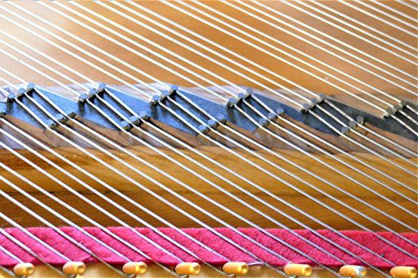 陳清流於2021年2月25日獲得「鋼琴琴橋結構」的專利權,更擁有20年的專利權限。(鄧玫玲/大紀元)