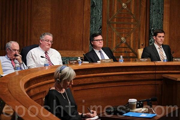2015年6月15日上午,美中經濟與安全評審委員會(USCC)在美國會參議院Dirksen辦公大樓舉行聽證會,討論中共對美國的網絡攻擊對兩國信息產業合作的傷害。(蕭桐/大紀元)