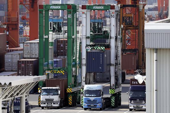 特朗普對進口中國商品、鋼鐵、鋁徵收高達數百億美元的關稅,使得相應的美國海關保證金近期出現大幅增加。(Kiyoshi Ota/Getty Images)