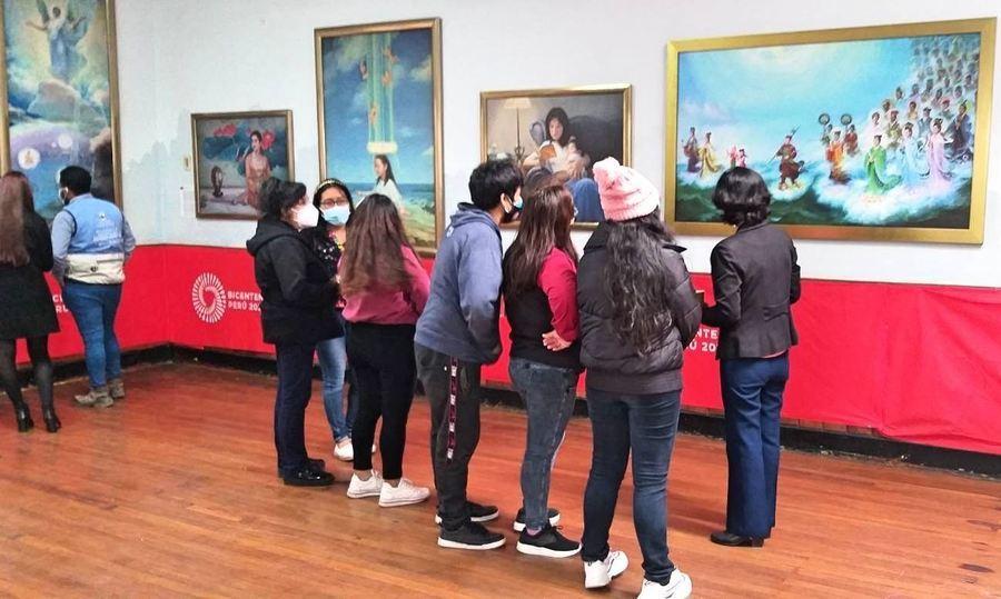 秘魯「真善忍」美展傳真相 政府民眾歡迎