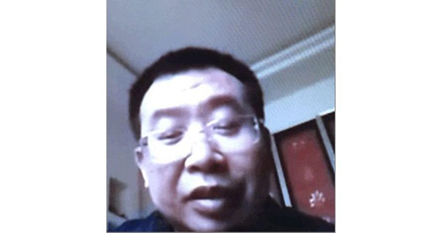 已失蹤3天的江天勇律師,於3月2日下午4時許,回到河南信陽父母家裡,與6年沒有見面的妻女視頻通話。(金變玲提供)