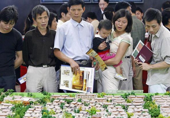 因為房價倒掛,深圳樓盤搶到一套賺800萬。圖為資料照。(China Photos/Getty Images)