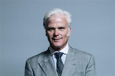 上議院議員德斯蒙德‧斯韋恩爵士(Rt Hon Sir Desmond Swayne TD MP)(明慧網)