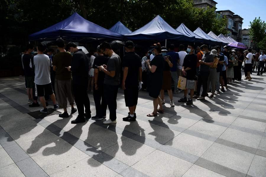 上海出現個案 居民排隊接受病毒檢測(多圖)