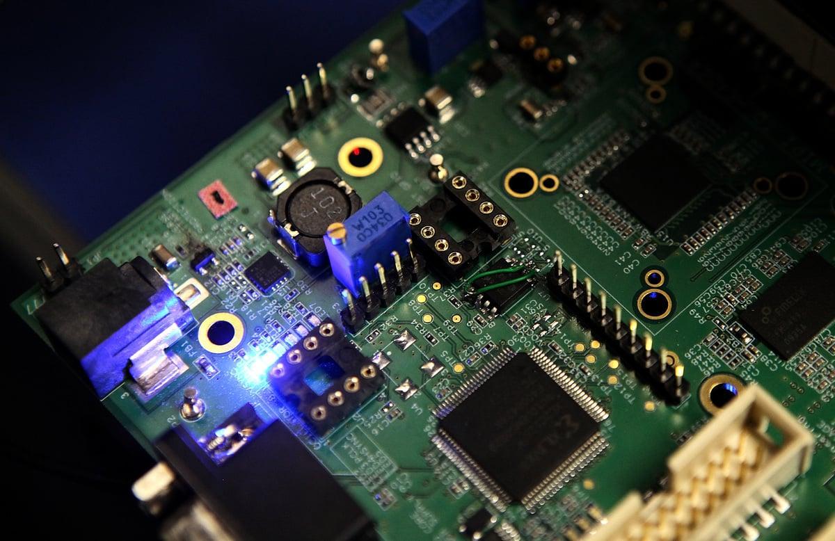 國發會副主委鄭貞茂9日表示,若美國針對中國半導體技術做限制,反而對台灣半導體產業不是利空。圖為半導體示意圖。 (Justin Sullivan/Getty Images)
