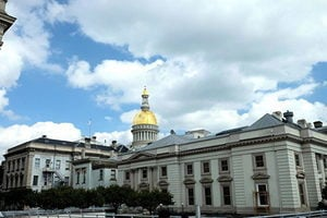 疫情重創下 新澤西州欲借貸百億防裁員