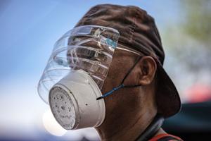 研究報告:口罩強制令無法阻止染疫病例激增