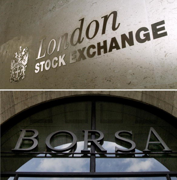 美國、日本、英國的指數供應商相繼宣佈各自剔除多家中資企業。(CARL DE SOUZA/PACO SERINELLI/AFP/Getty Images)