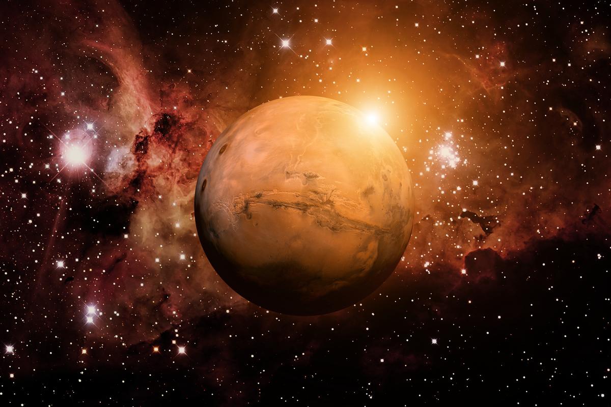自10月3日起10天,火星將閃耀出十多年來最明亮的光芒。(Shutterstock)