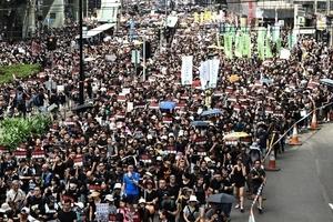 何清漣:北京暫緩香港衝突的政治考慮