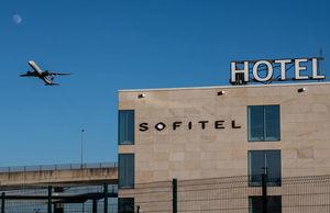 英國要求高風險國家入境者酒店隔離
